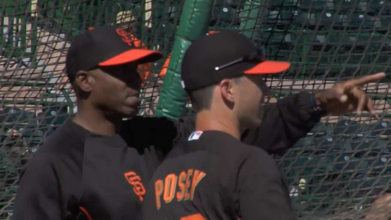 e0678d00c7a Barry Bonds in Giants camp working as special hitting coach