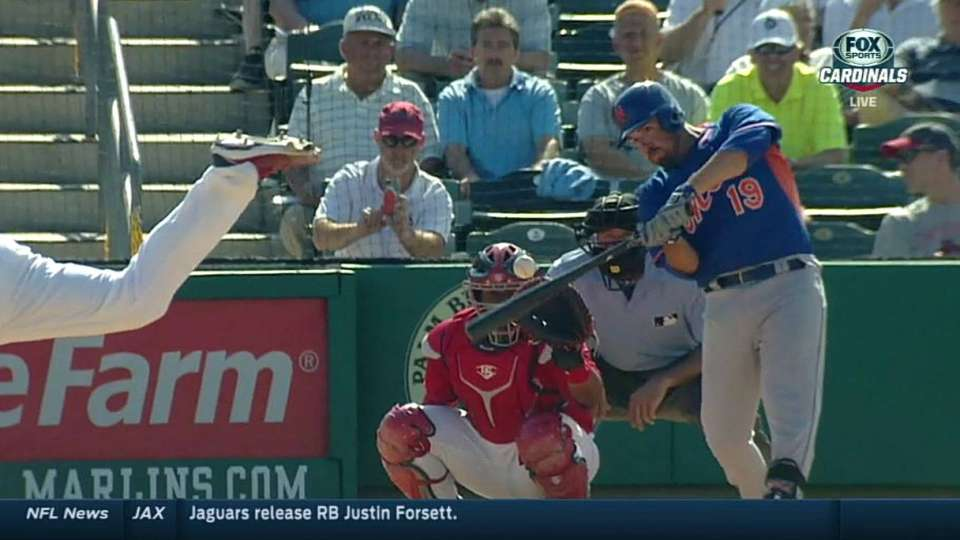 Lutz goes deep to give Mets lead