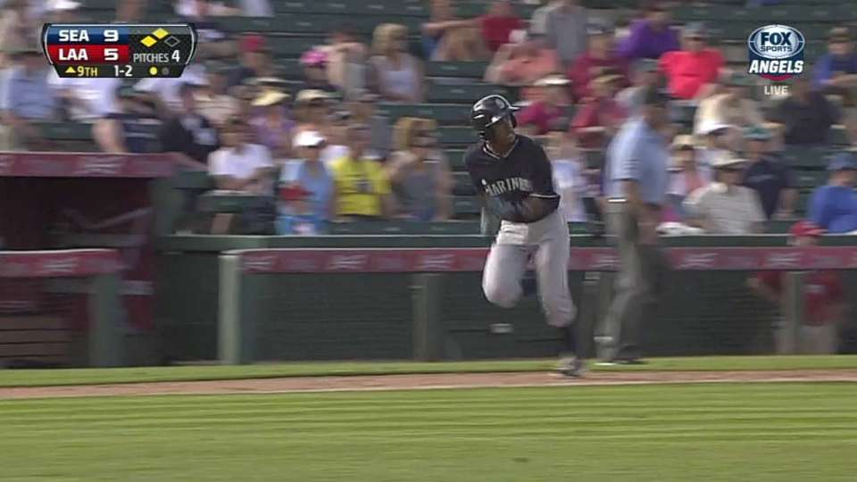 Dowd's sac fly extends lead