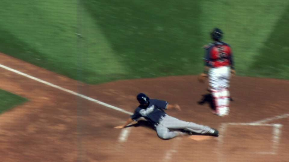 Padres rally, but Indians win