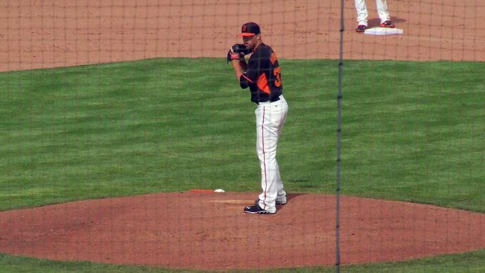Hembree's 1-2-3 eighth inning