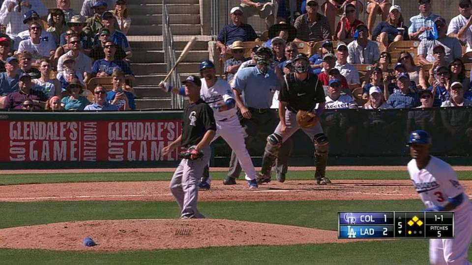 Gonzalez's sac fly to center