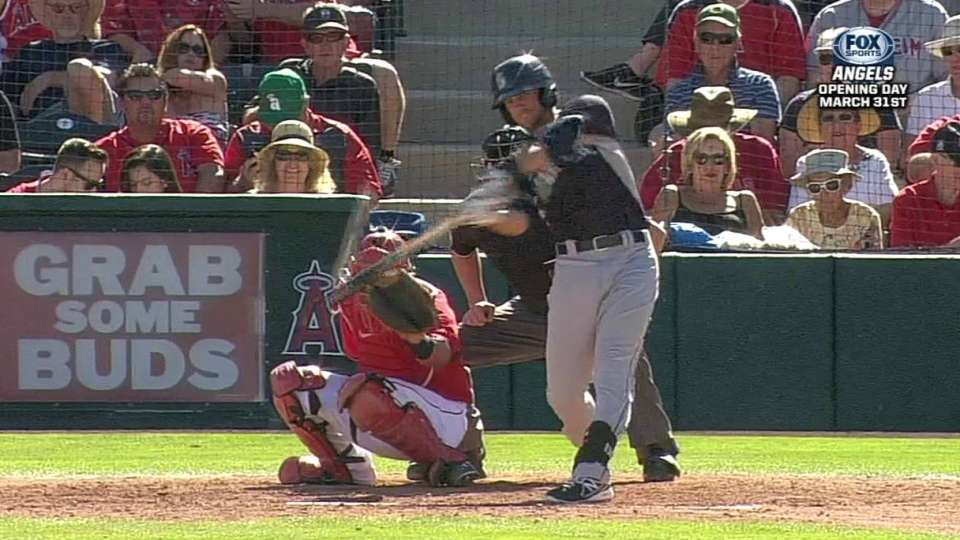 Smith's solo homer to left