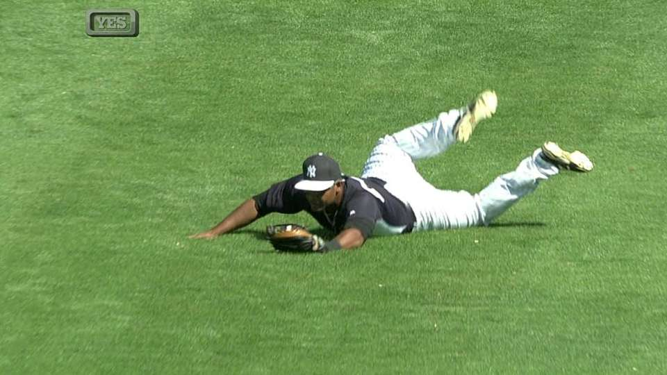 Almonte's diving catch