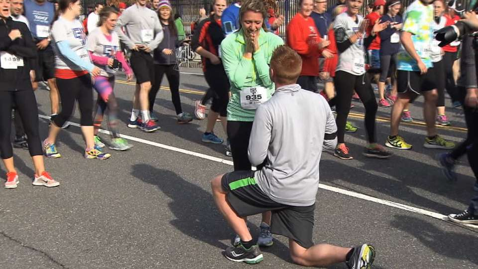 Marriage proposal at Phillies 5K