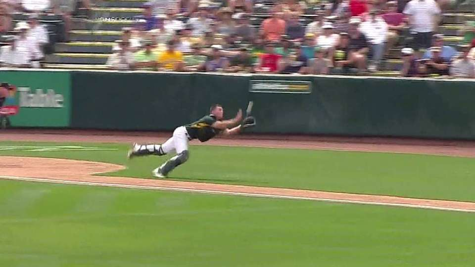 Jaso flashes the leather