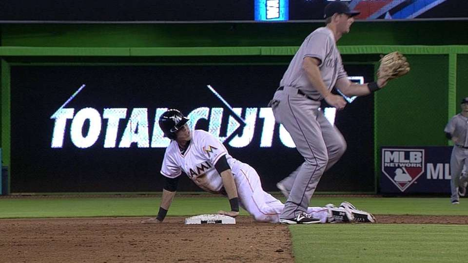 Stolen base call reviewed in 8th