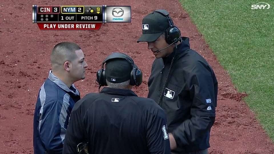 Mets challenge, call overturned