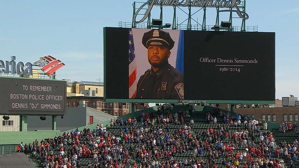 Fenway holds moment of silence