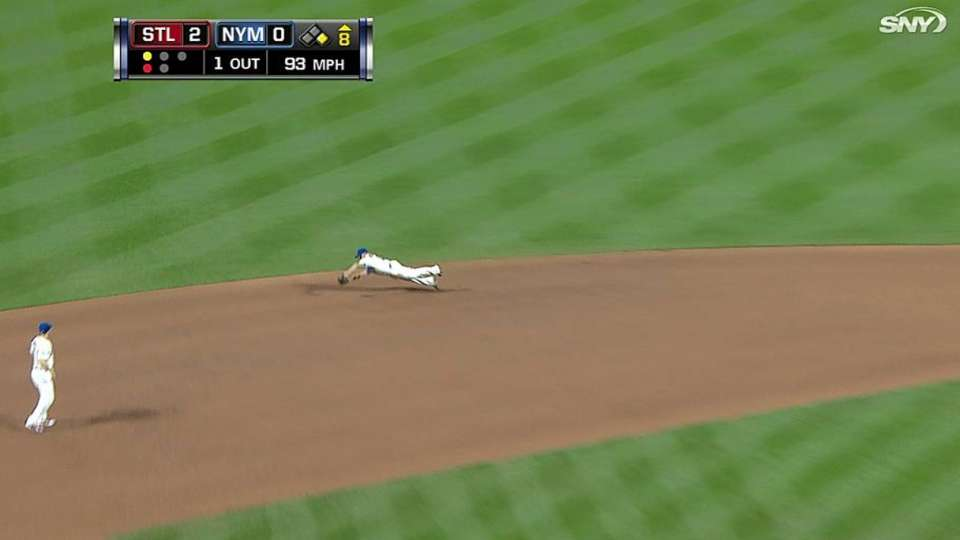 Quintanilla's diving catch