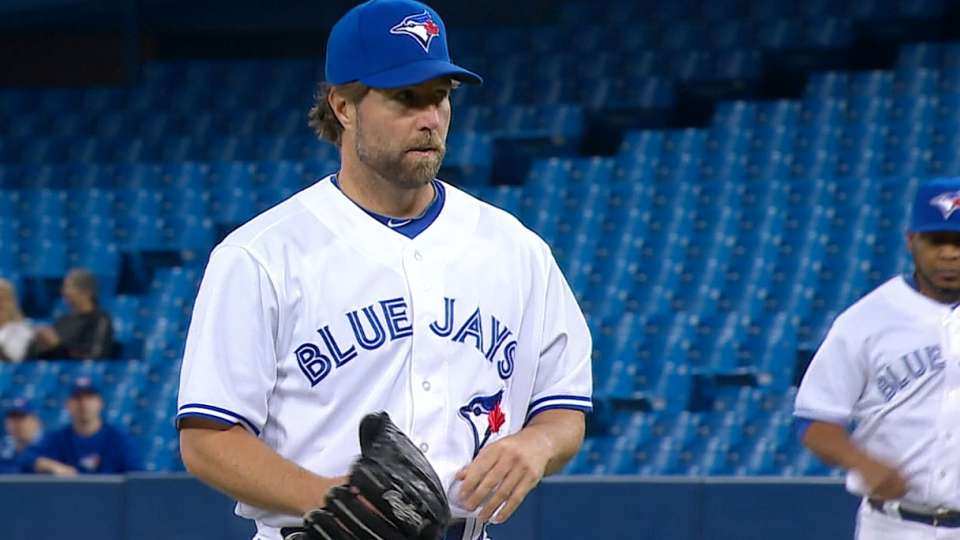 Dickey's solid outing