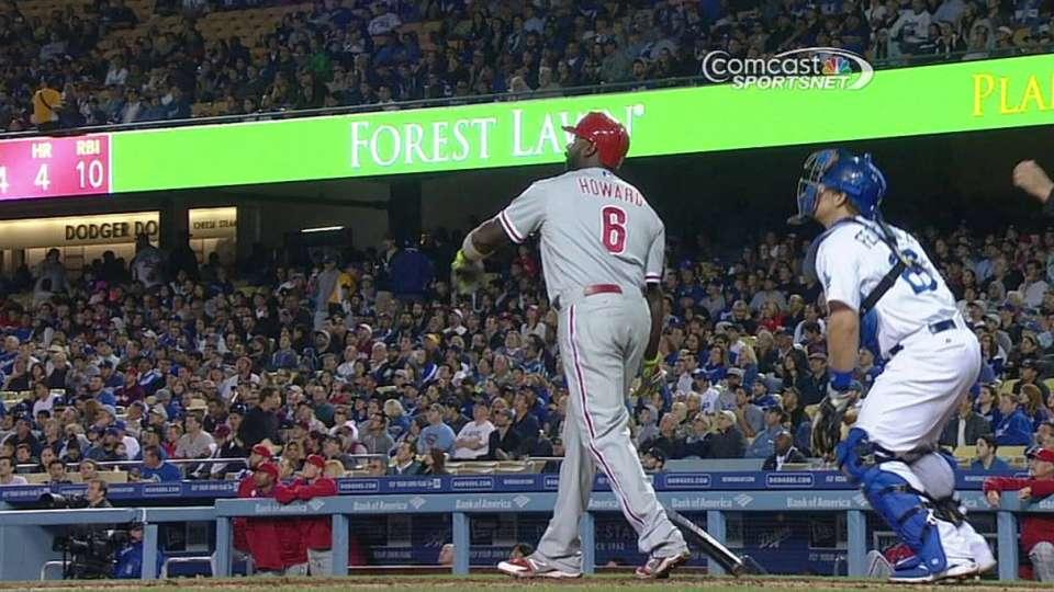 Howard's two-run homer