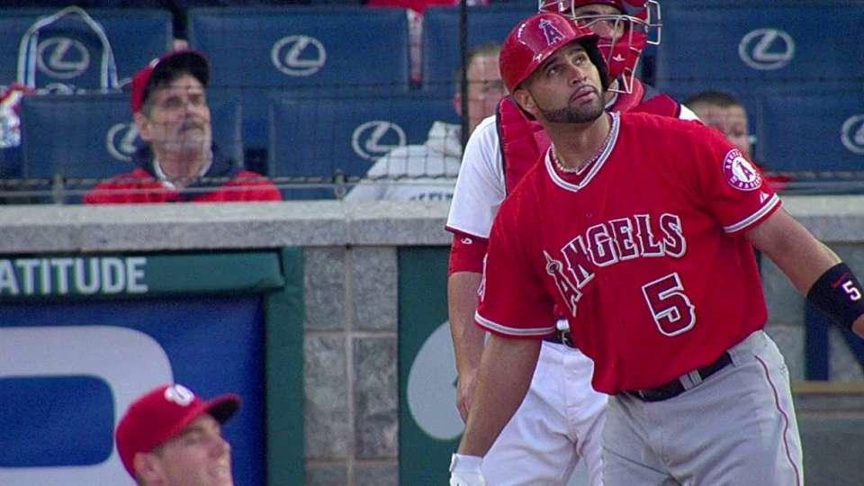 Pujols' three-run homer