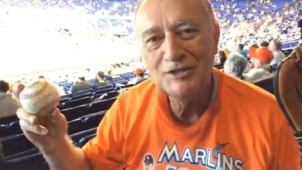 Fan de Miami colecciona pelotas
