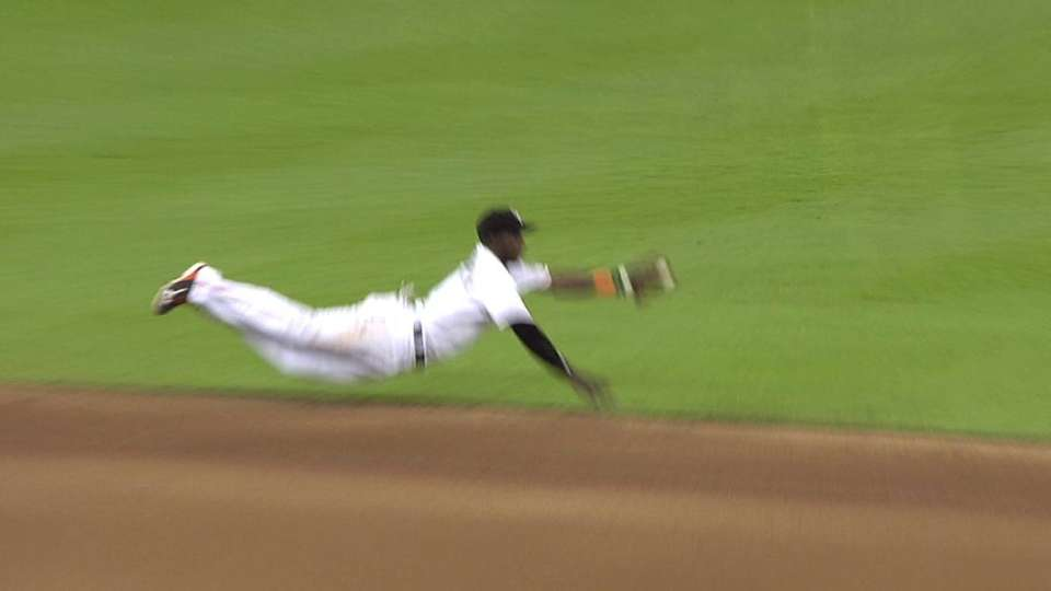Hechavarria's diving stop