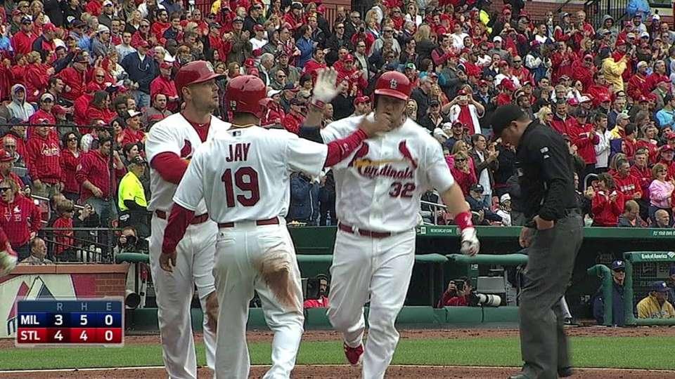 Adams' three-run shot