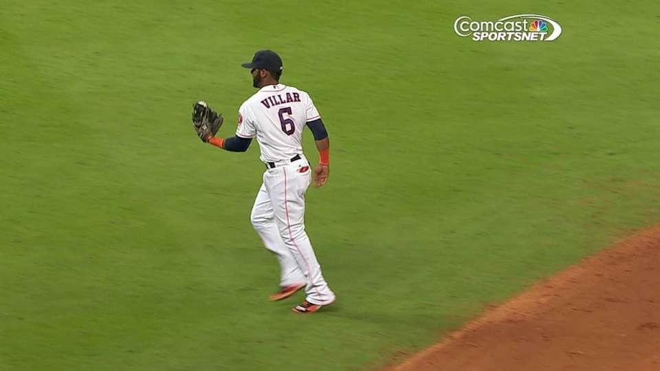 Villar's leaping catch