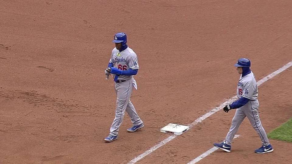 Hicks doubles off Puig