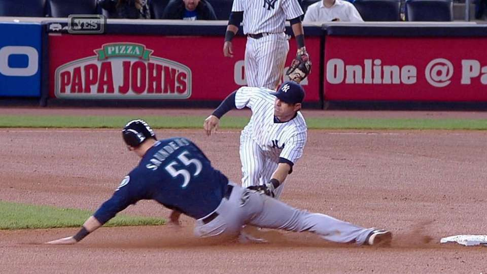 McCann throws out Saunders