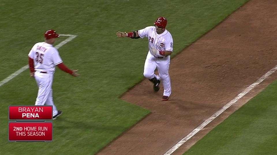 Pena's pinch-hit two-run homer