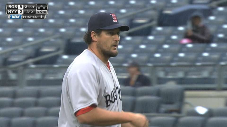 Hanrahan, Tigers agree to deal