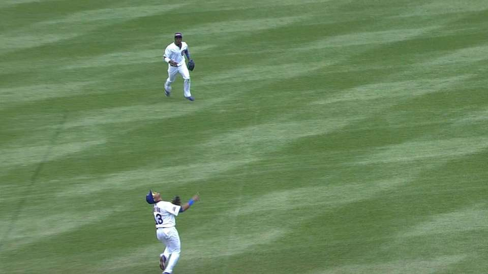 Castro's over-the-shoulder catch