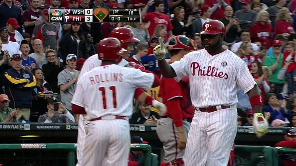 Howard's three-run homer