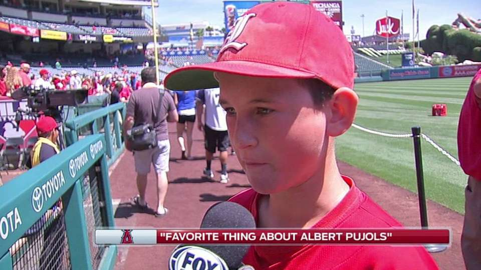 Kids share their love for Pujols