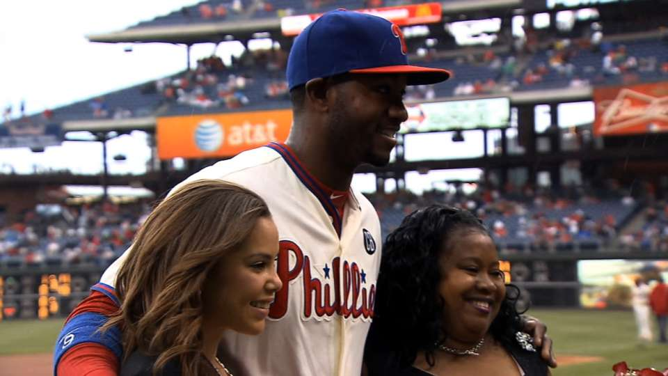 Phillies: Mother's Day