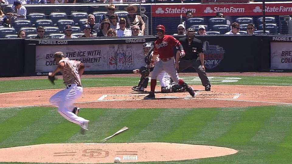 Ross loses bat during strikeout