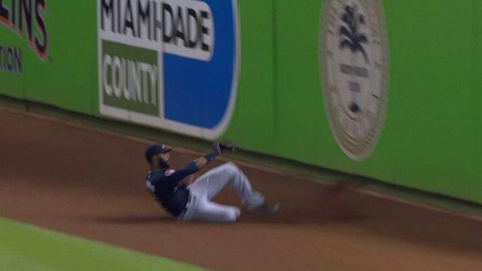 Heyward's sliding catch