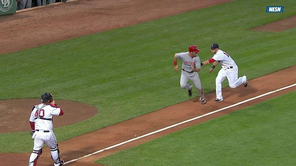 Middlebrooks saves a run