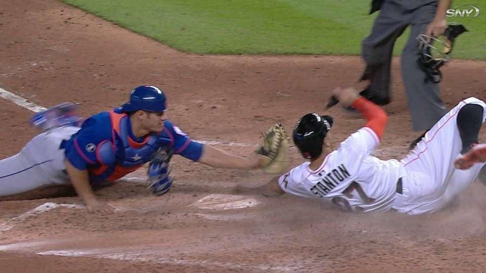 Mets fall on walk-off sac fly