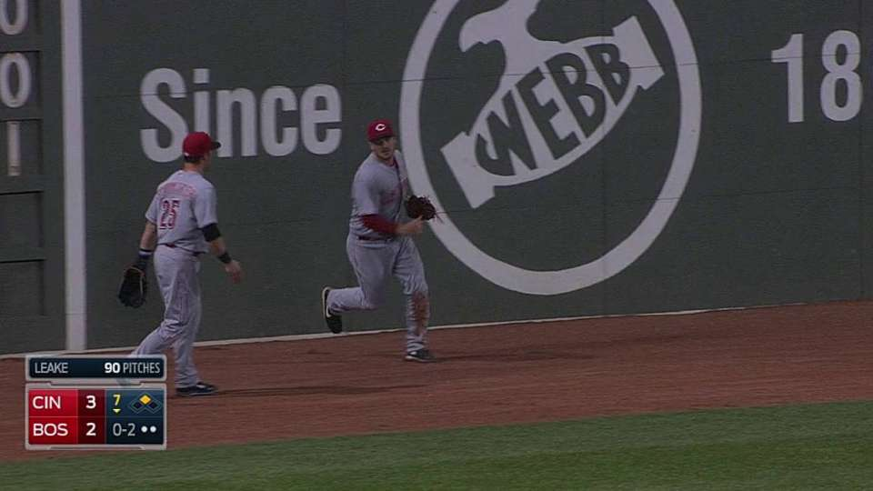 Heisey's running catch at track