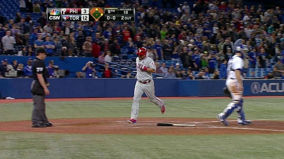 Galvis crosses the plate