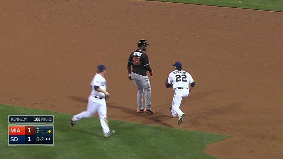 Padres catch Ozuna in rundown