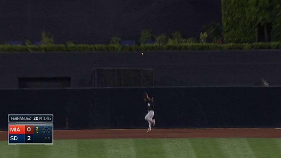 Ozuna's jumping catch