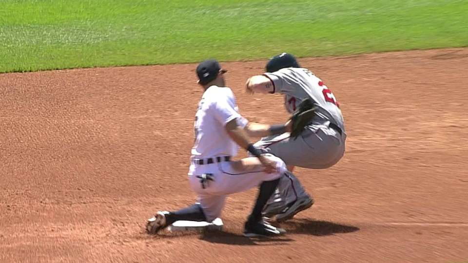 Avila throws out Parmelee