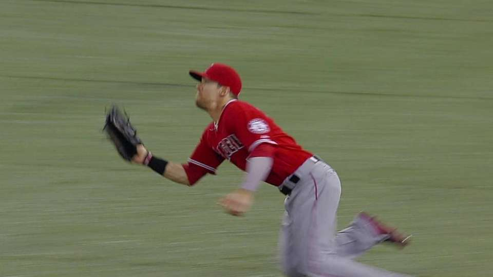 Cowgill dives to make the catch