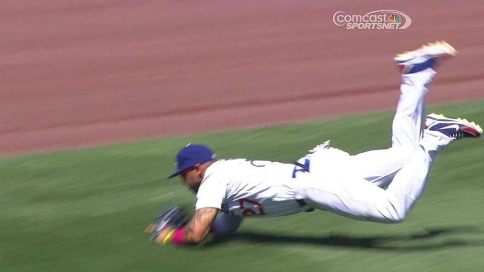Kemp flashes leather