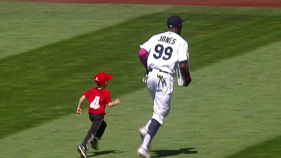 Jones helps young fan