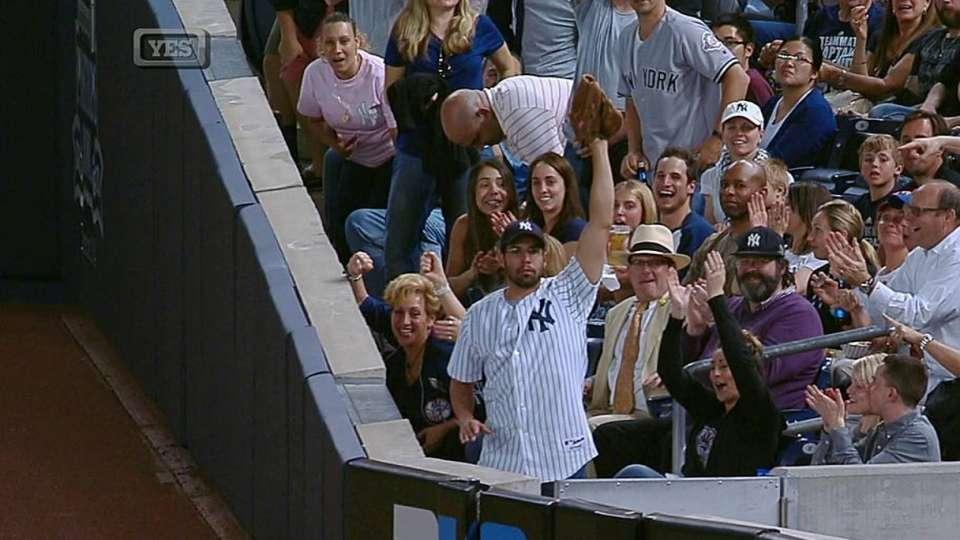 Yankee fan's great catch