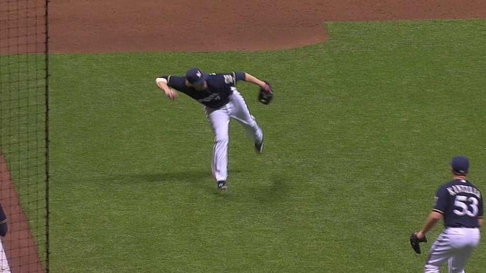Reynolds' barehanded play