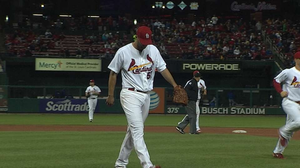 Wainwright's solid outing
