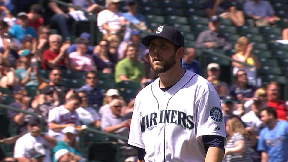 Leone's strong relief outing