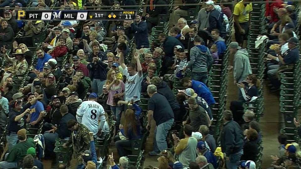 Fan catches Braun's foul ball