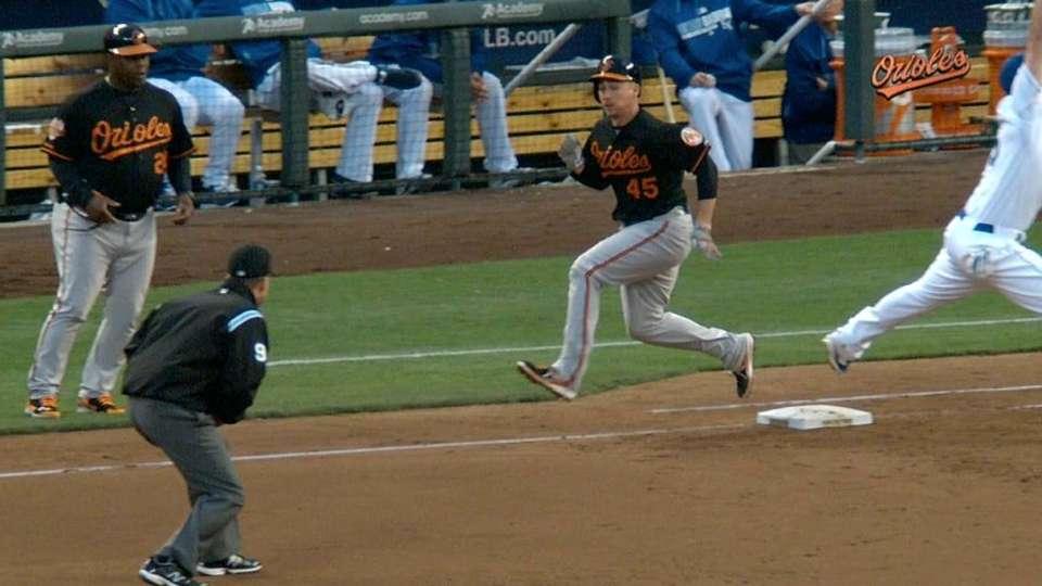 Davis scores on fielder's choice