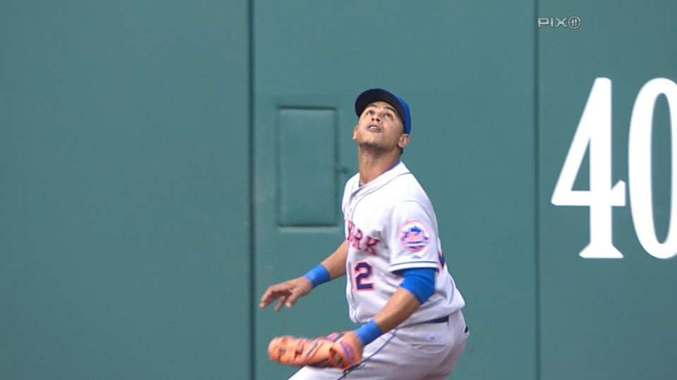 Lagares' all-around great day
