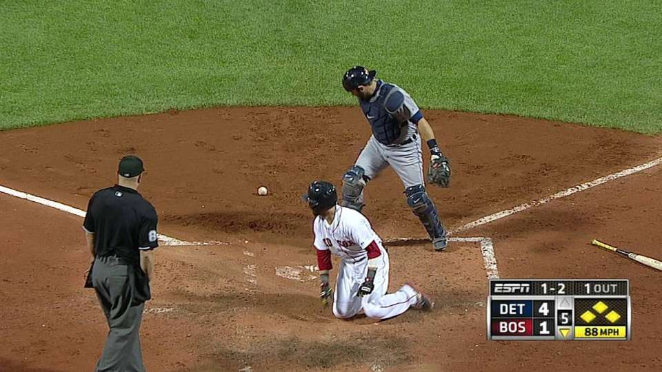 Pedroia scores on error
