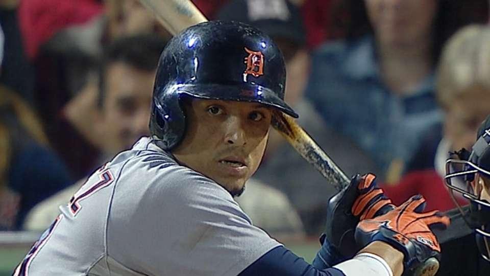 V-Mart's two-run homer